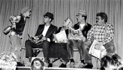 Rentnerbank beim Theaterabend 1998